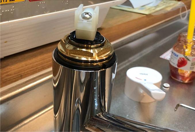 樹脂製の水栓交換及び卓上食洗機設置